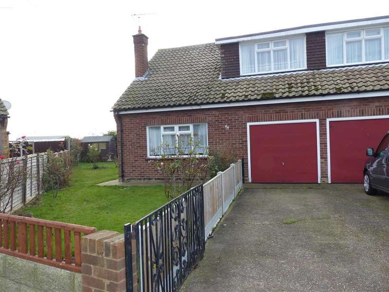 3 Bedrooms Chalet House for sale in Brooklands Square, Canvey Island