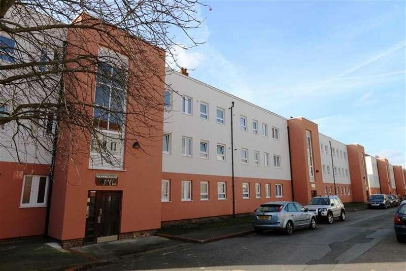 2 Bedrooms Flat for sale in Barnfield Road, Plumstead, London, SE18