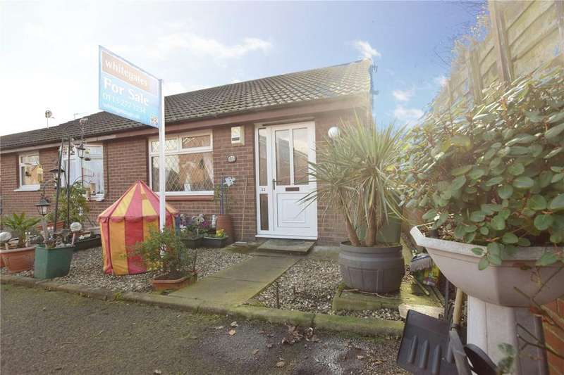 2 Bedrooms Semi Detached Bungalow for sale in Grange Fields Road, Leeds, West Yorkshire, LS10