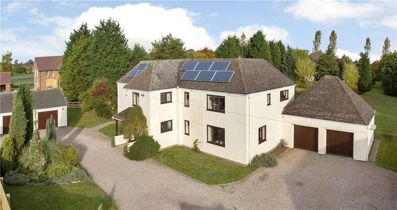 4 Bedrooms Detached House for sale in Holly Lane, Ombersley, Droitwich, Worcestershire, WR9