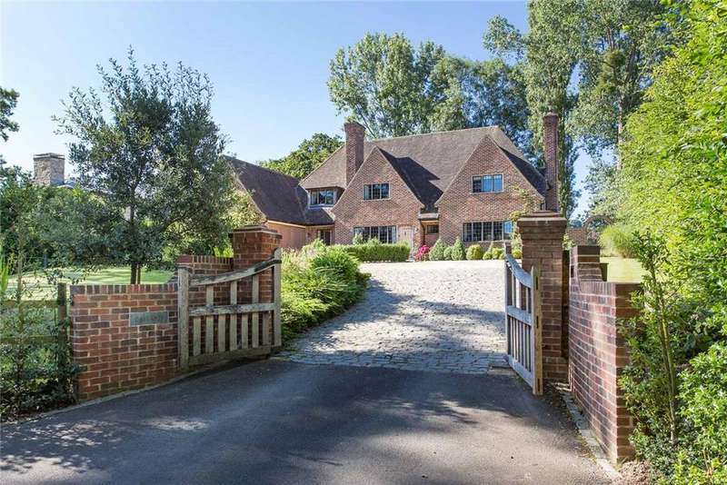 5 Bedrooms Detached House for sale in Balcarras Road, Charlton Kings, Cheltenham, Gloucestershire, GL53