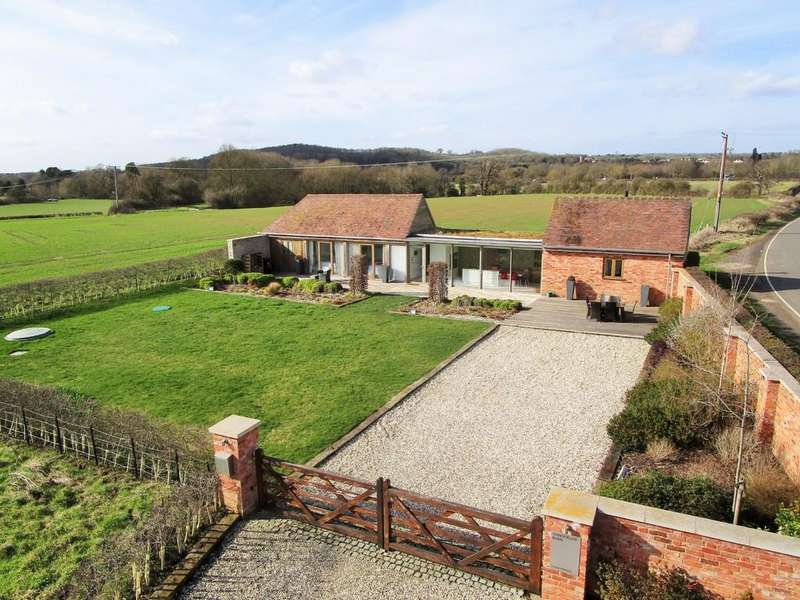 2 Bedrooms Barn Conversion Character Property for sale in Sandfields Barn, Luddington