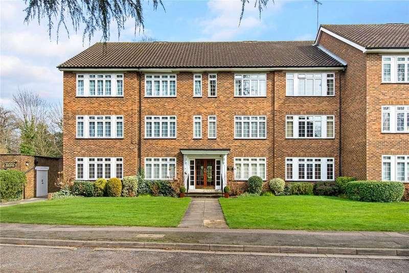 2 Bedrooms Flat for sale in Myrtleside Close, Northwood, Middlesex, HA6