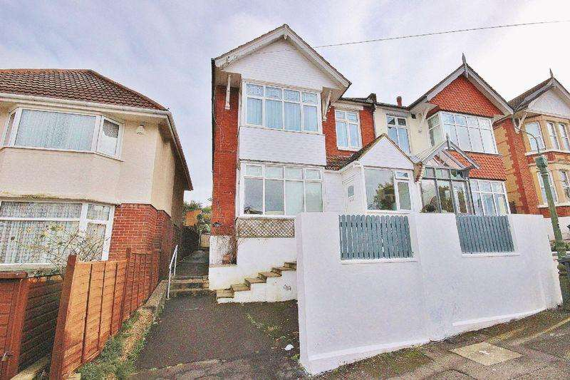 4 Bedrooms Maisonette Flat for sale in 21 Alexandra Road, Southbourne, Bournemouth