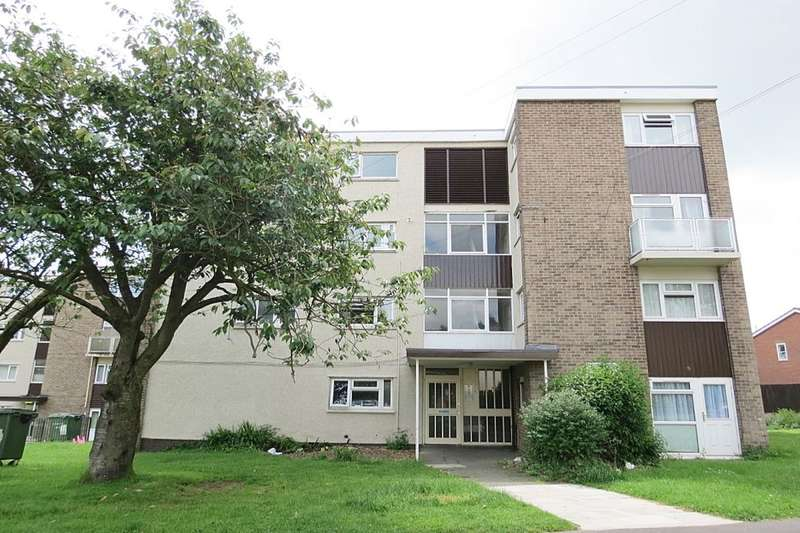 3 Bedrooms Flat for sale in Fir Tree Approach, Leeds, LS17
