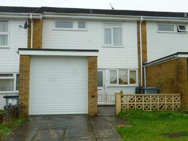 3 Bedrooms Terraced House for sale in Shilldeane Drive, Carterton, Oxon