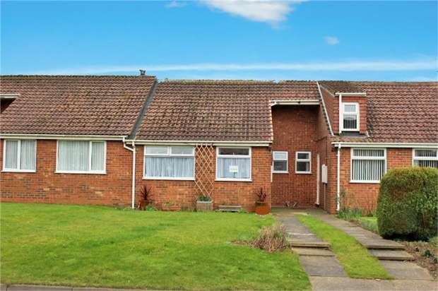 2 Bedrooms Terraced Bungalow for sale in Spruce Lane, Ulceby, Lincolnshire