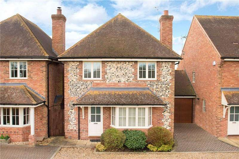 4 Bedrooms Detached House for sale in Innkeepers Court, Longwick, Princes Risborough, Buckinghamshire
