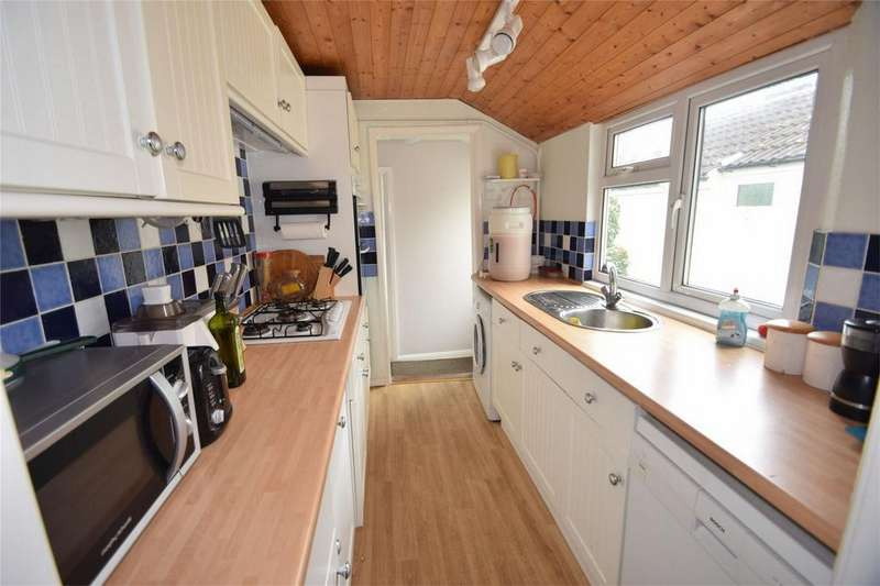 2 Bedrooms Cottage House for sale in Mount Road, Rochester, Kent