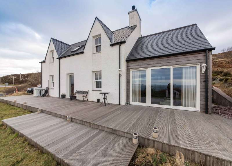 3 Bedrooms Detached House for sale in Annie's Brae, Mallaig, Lochaber, PH41 4RG