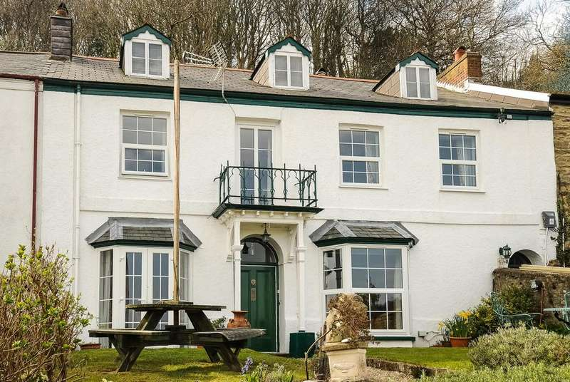 5 Bedrooms Terraced House for sale in Alford Terrace, Lynton