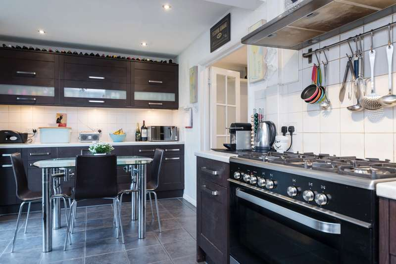 3 Bedrooms House for sale in Churchfield Rd, Reigate