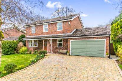 4 Bedrooms Detached House for sale in Lowside Avenue, Lostock, Bolton, Greater Manchester