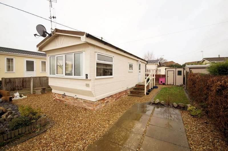 1 Bedroom Park Home Mobile Home for sale in Astral Way, North Hykeham, Lincoln