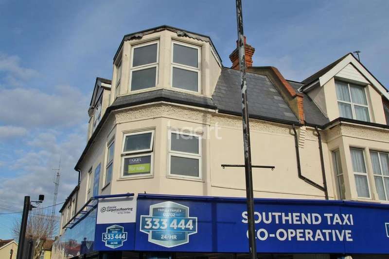 3 Bedrooms Maisonette Flat for sale in Westcliff-on-sea