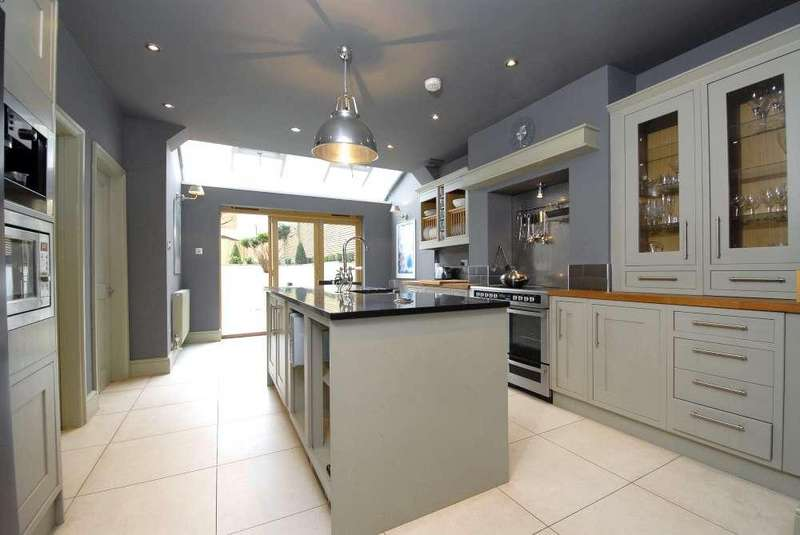 5 Bedrooms Terraced House for sale in Lordship Lane,