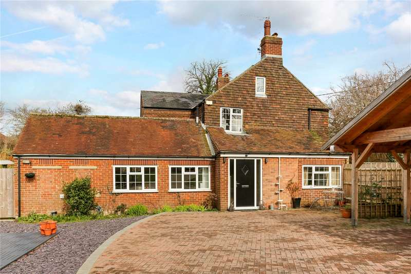 3 Bedrooms Semi Detached House for sale in Grovelands Cottages, London Road, Burgess Hill, West Sussex, RH15