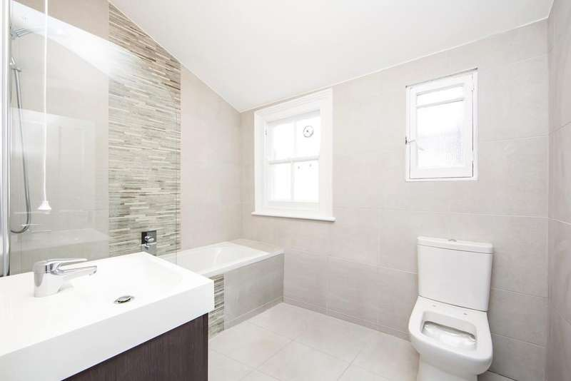 2 Bedrooms Flat for sale in Chevening Road, Queens Park, London NW6