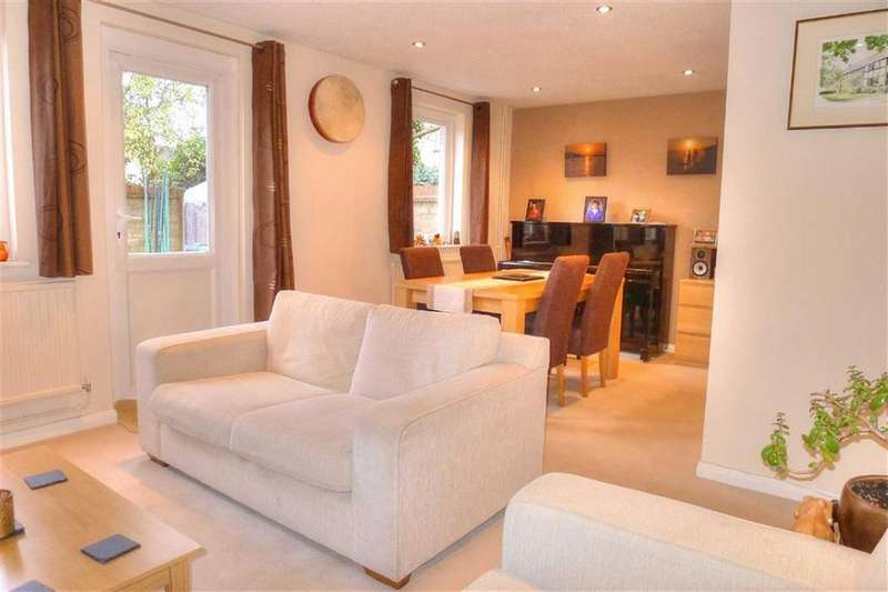 2 Bedrooms Semi Detached House for sale in Augustus Close, Cambridge