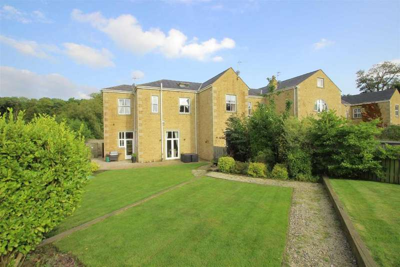 4 Bedrooms Mews House for sale in Woodfold Park Farm, Mellor