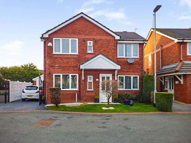 3 Bedrooms Detached House for sale in Clifton Court, Higher Runcorn