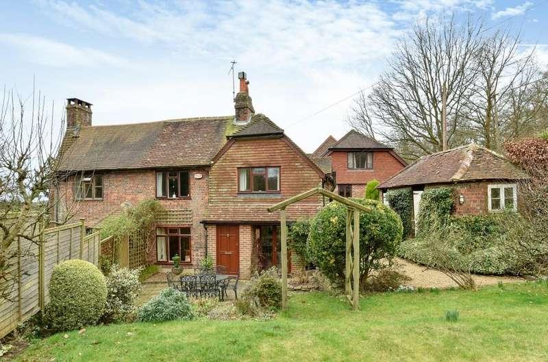 3 Bedrooms Semi Detached House for sale in Malthouse Cottages, Malthouse Lane, Hambledon, Godalming, GU8
