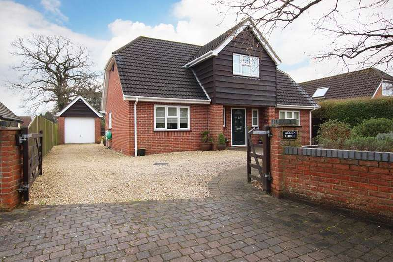 4 Bedrooms Detached House for sale in HOLBURY