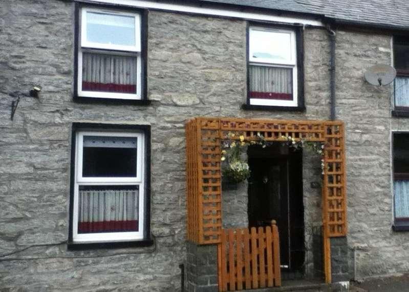 2 Bedrooms End Of Terrace House for sale in Manod Road, Manod, Blaenau Ffestiniog LL41