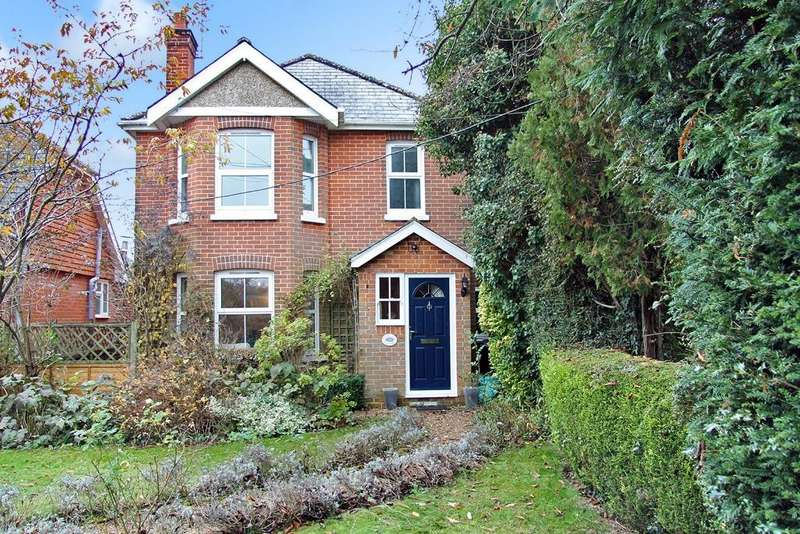 4 Bedrooms Detached House for sale in Church Road, Swanmore