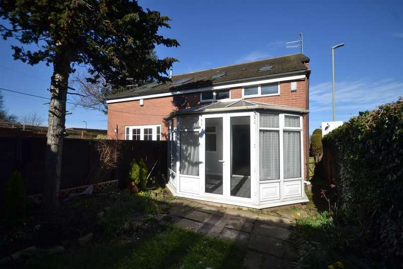 3 Bedrooms Semi Detached House for sale in North Road, East Boldon