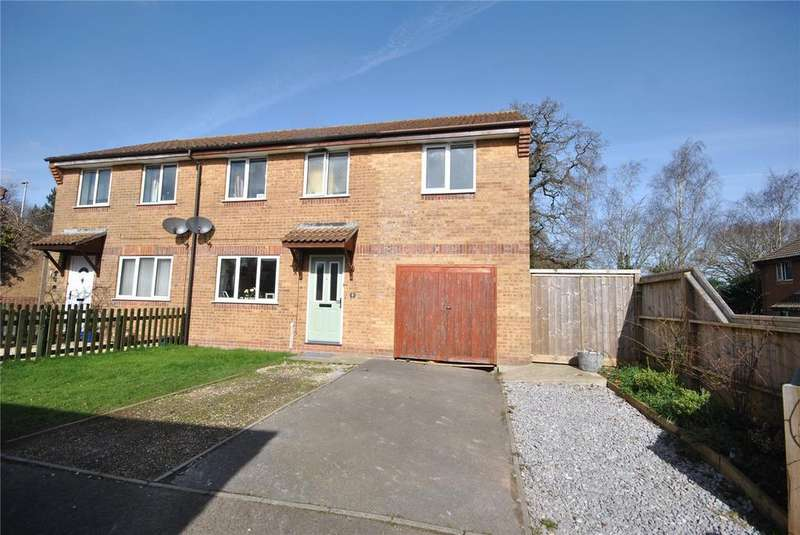4 Bedrooms House for sale in Englands Way, Chard, Somerset, TA20