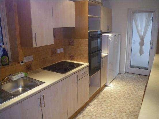5 Bedrooms Detached House for rent in Portland Road, Winton