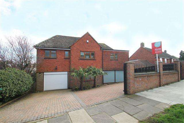 5 Bedrooms Detached House for sale in Valley Drive, Brighton