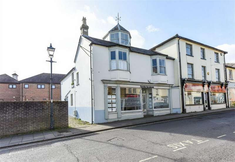 2 Bedrooms Flat for sale in Market Street, ALTON, Hampshire