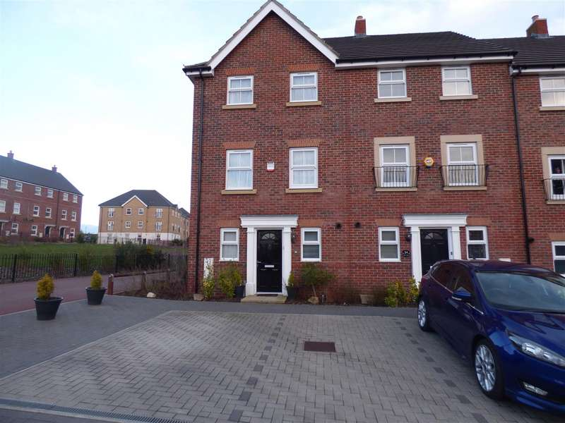 3 Bedrooms Property for sale in Lake View, Houghton Regis, Dunstable