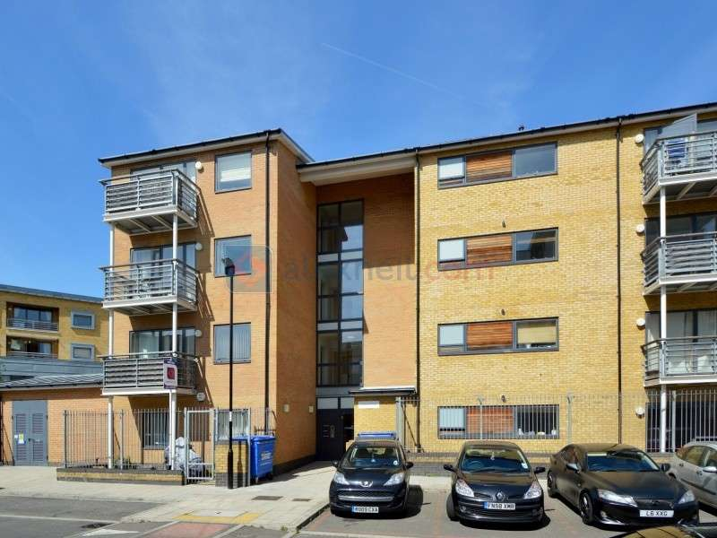 2 Bedrooms Flat for sale in Goldsworthy Gardens, Surrey Quays SE16