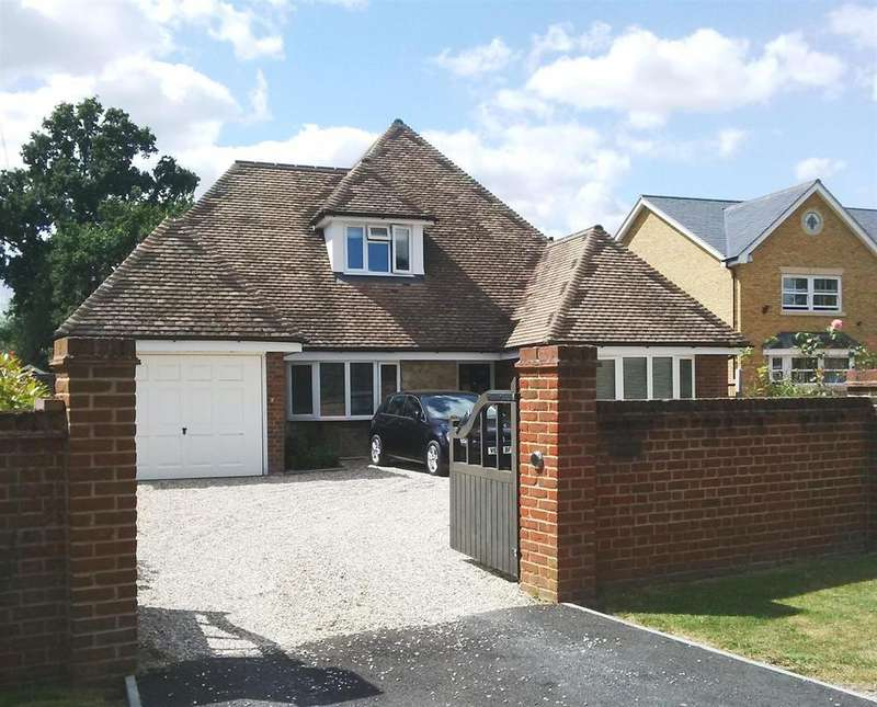 5 Bedrooms Chalet House for sale in Howe Green, Chelmsford