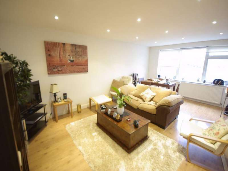 2 Bedrooms Apartment Flat for sale in Rutland Place, The Rutts, Bushey Heath, Bushey, WD23