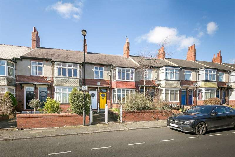 3 Bedrooms Flat for sale in Valley View, Jesmond, Newcastle upon Tyne