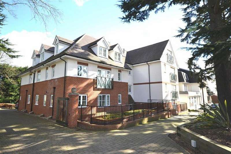 2 Bedrooms Flat for sale in Laurel Court, Epping, Essex, CM16