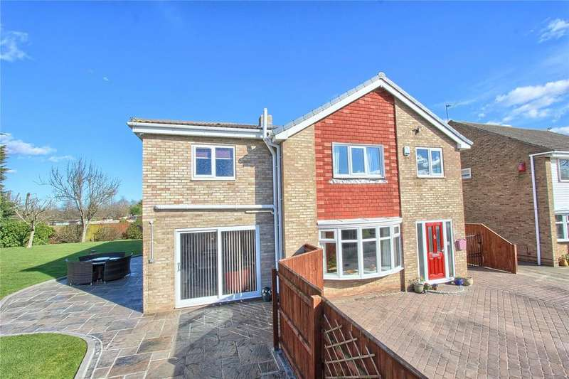 5 Bedrooms Detached House for sale in Shearwater Lane, Crooksbarn