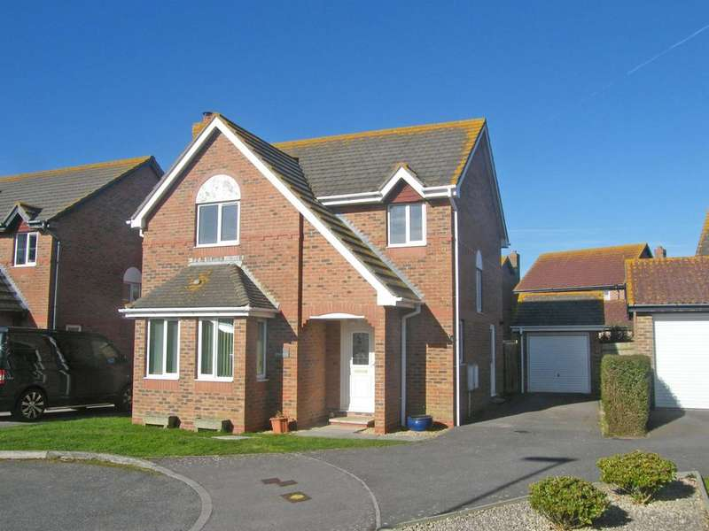 4 Bedrooms Detached House for sale in Wilton Close, Bracklesham Bay, PO20