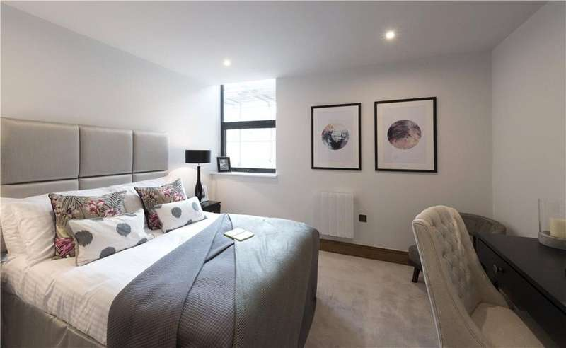 2 Bedrooms Flat for sale in Galbraith House, 141 Great Charles Street, Birmingham City Centre, West Midlands, B3