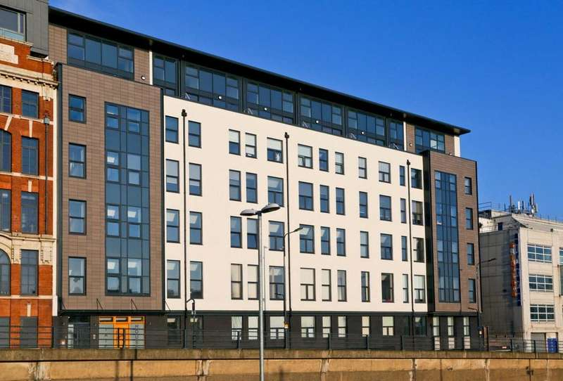 2 Bedrooms Penthouse Flat for rent in Tate House, 5-7 New York Road, Leeds, West Yorkshire, LS2