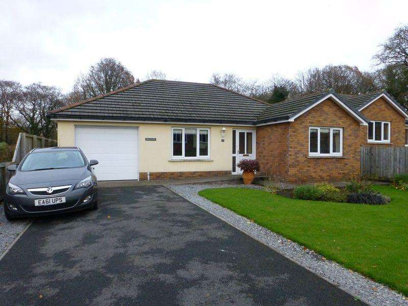 3 Bedrooms Detached House for sale in Maes Llewelyn , Glanamman, Ammanford, Carmarthenshire.