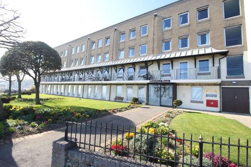 1 Bedroom Flat for sale in Homefleet House Wellington Crescent, Ramsgate, CT11