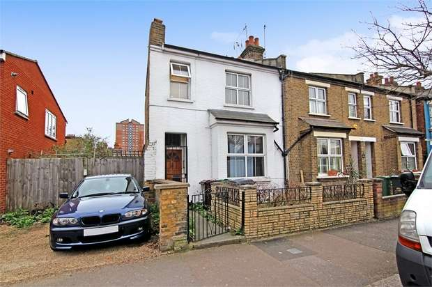 3 Bedrooms End Of Terrace House for sale in Havant Road, Walthamstow, London
