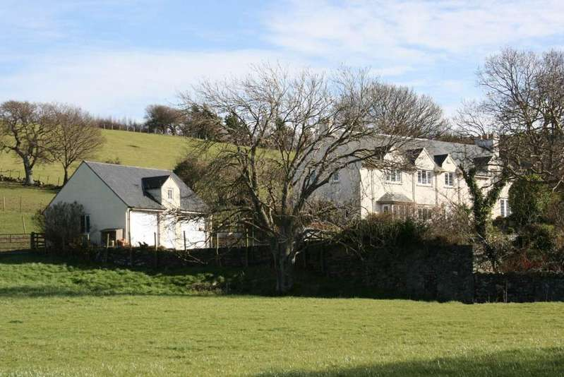4 Bedrooms Detached House for sale in Cae Cregin, Conwy, LL32 8HZ