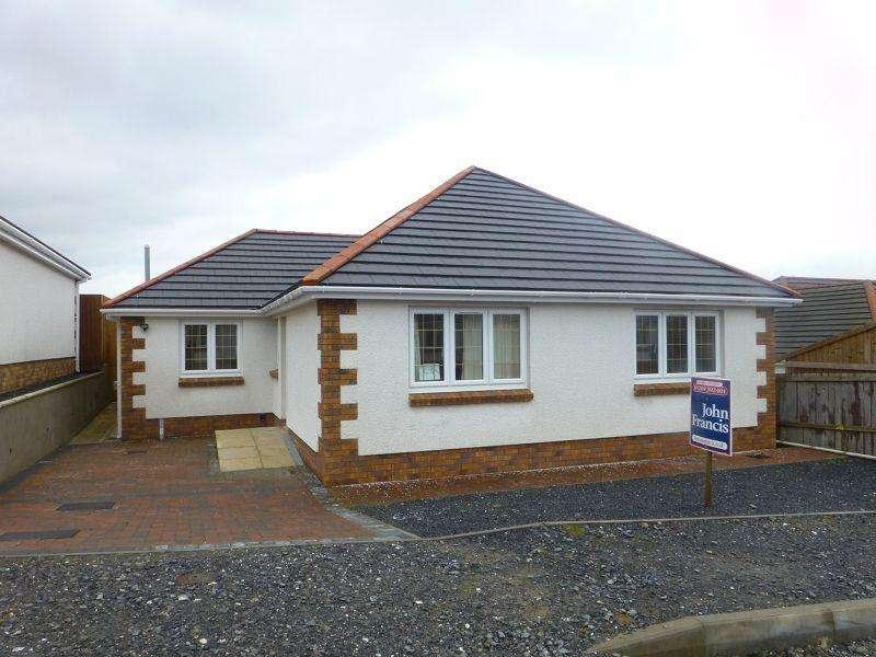 2 Bedrooms Bungalow for sale in Clos Nant-y-ci , Saron, Ammanford, Carmarthenshire.