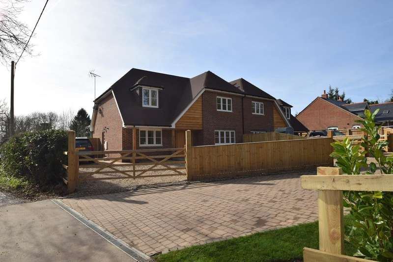 4 Bedrooms Semi Detached House for sale in Park Lane, Cane End, RG4